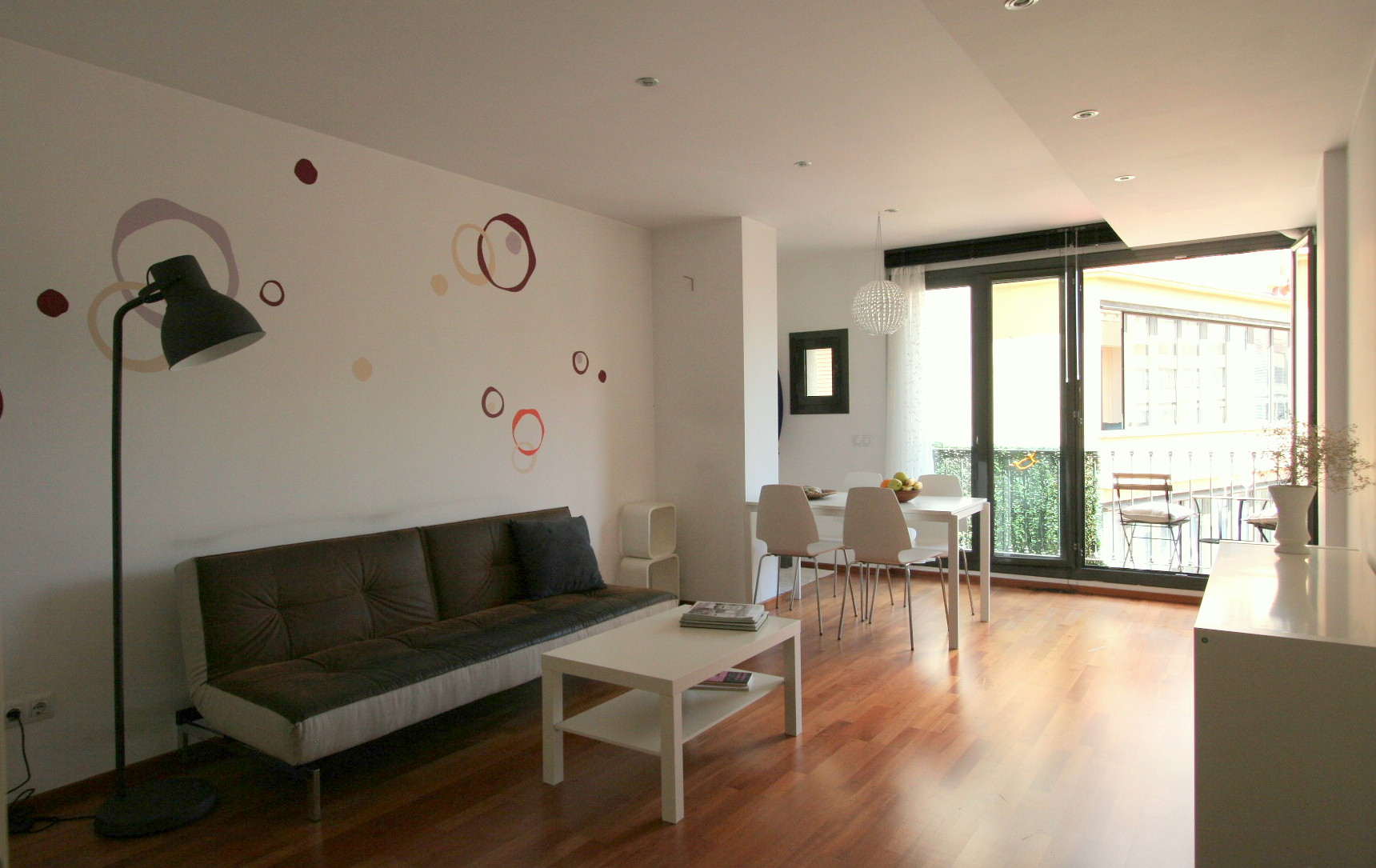 Easyapartmentrental charming 2 bedroom apartment near for 1 bedroom apartment for rent