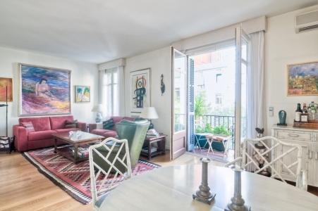 art_delux_barcelona_elegant_apartment